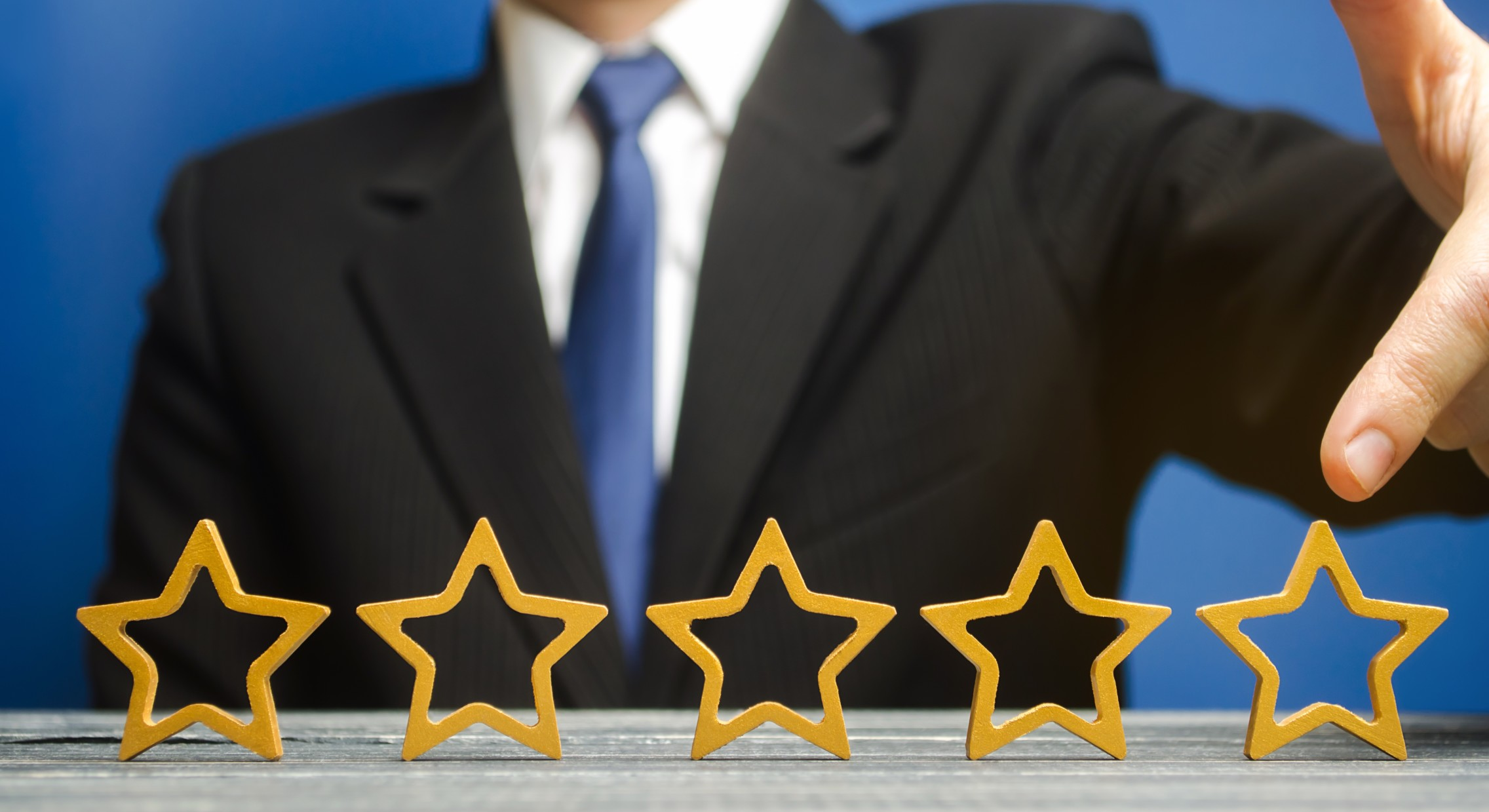 How to Find and Use Customer Reviews