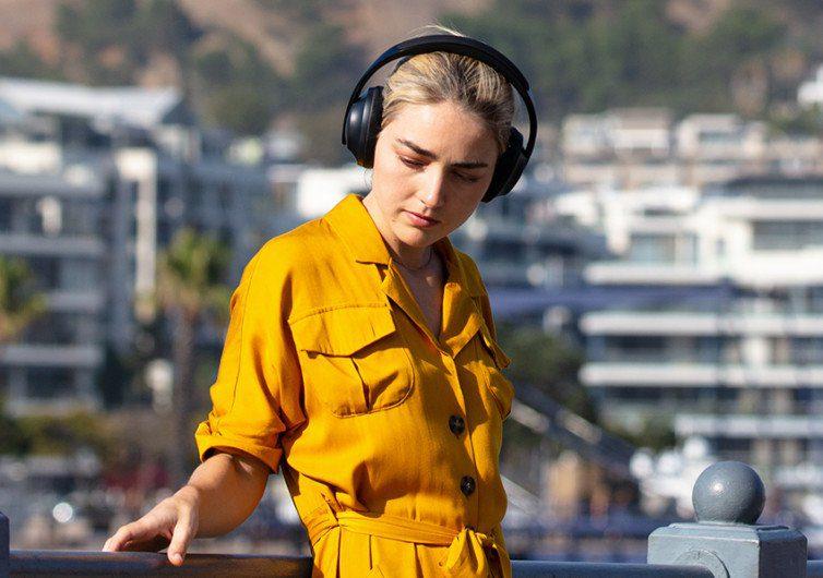 Bose-Noise-Cancelling-Headphones-7006
