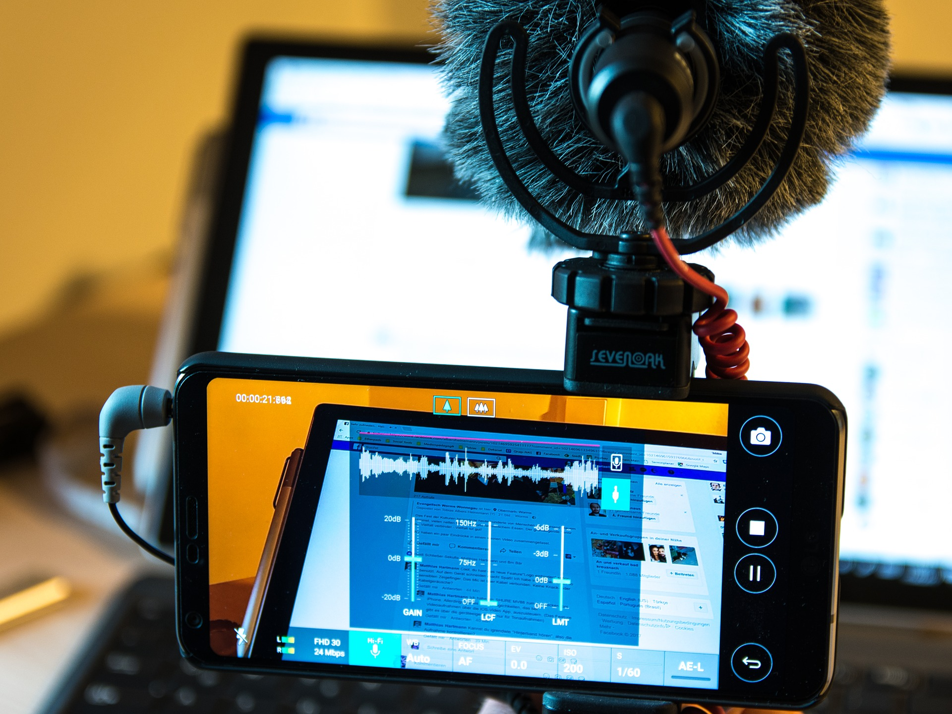 How To Choose The Best Microphone For Your Smartphone