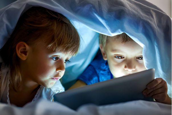 Making Kids Sleep By Limiting Screen Time