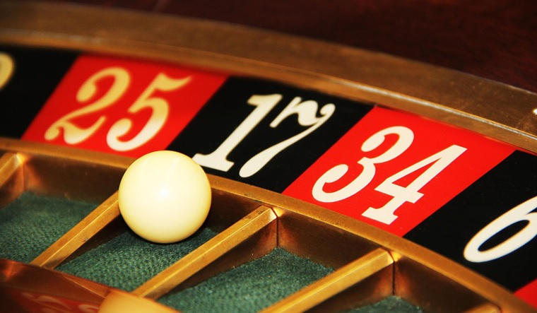 What Are The Causes That Made Online Casino Trending In No Time?