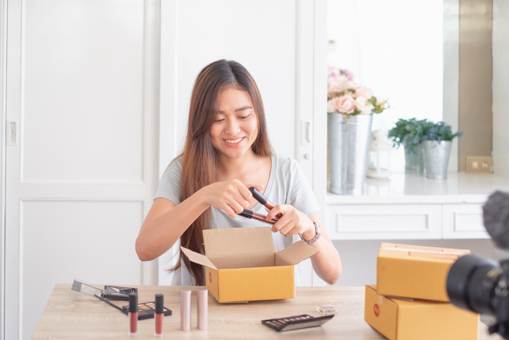 What is the impact of Cosmetic Industry Beauty Packaging on the Environment?